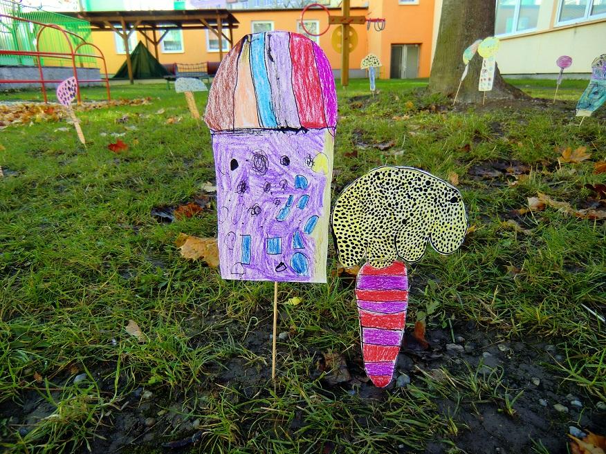 pred-skolkou-rostou-houby